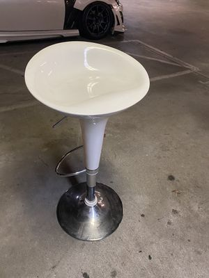 White adjustable bar stool for Sale in Long Beach, CA