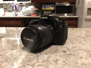 CANON 70D + 18-55 LENS w/ some extras for Sale in Stanton, CA