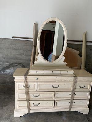 Wooden bedroom set for Sale in San Francisco, CA