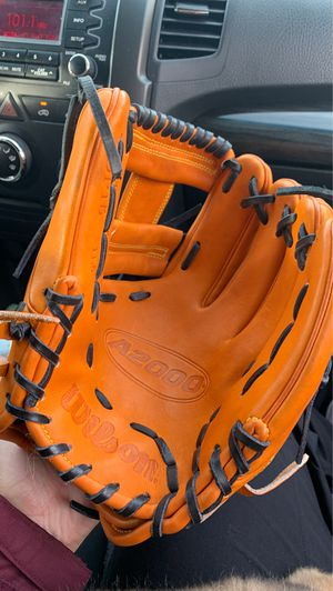 Wilson baseball glove for Sale in Tempe, AZ