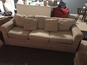 Couch for Sale in Greenville, NC