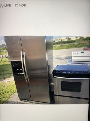 Refrigerator and stove stainless still kitchenaid for Sale in West Palm Beach, FL