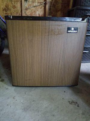 Mini Refrigerator for Sale in BRECKNRDG HLS, MO