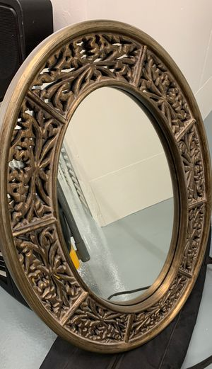 "Beautiful Oval Mirror 36x25.5"" for Sale in Glendale, CA"