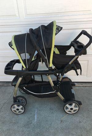 Graco double stroller for Sale in Lynwood, CA