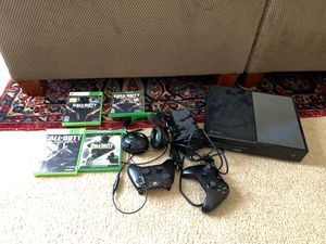 1 Terabyte Xbox One with two controllers, headset, mic, and games. for Sale in Frisco, TX