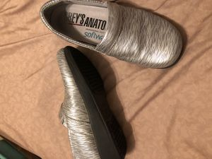 Grays Anatomy nursing shoes for Sale in Collinsville, IL