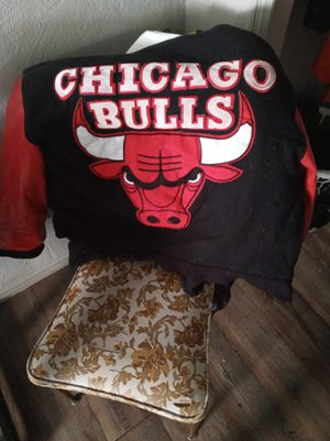 Chicago bulls coat for Sale in Midwest City, OK