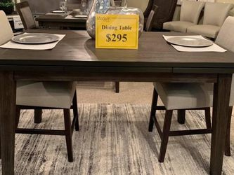 Extending Dining Table(Modern Home Furniture ) for Sale in undefined