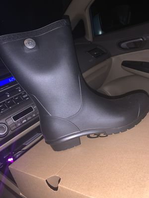Ugg Rain Boots Size 9 for Sale in Durham, NC