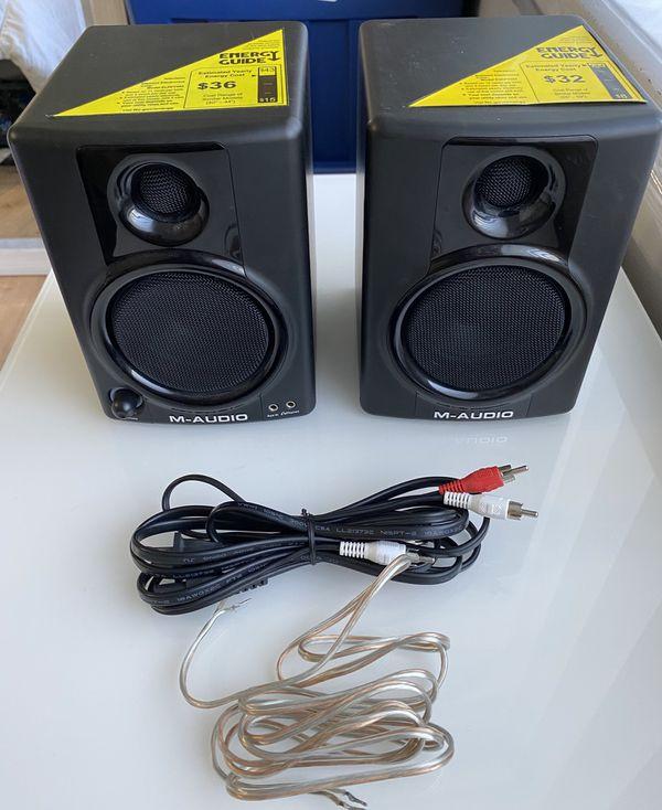 M-Audio AV-30 Studio Monitor Pair