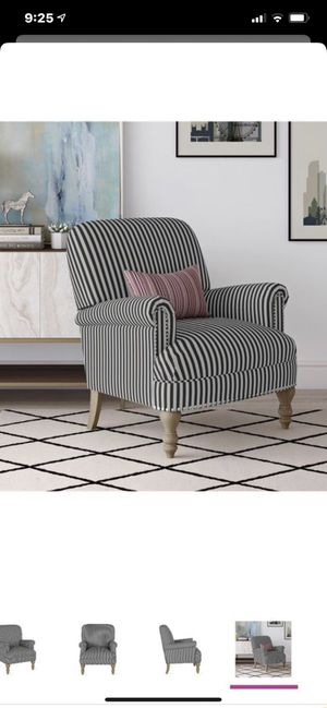 Living accent chair for Sale in Las Vegas, NV