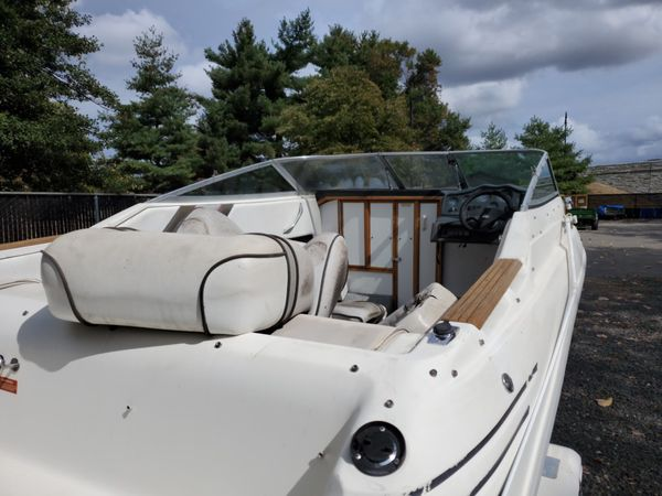 Searay 200 cutty cabin boat