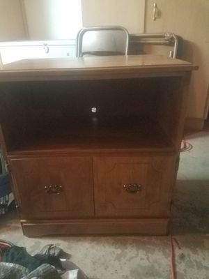 Small cabinet/ tv stand for Sale in Phoenix, AZ