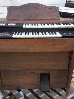 Organo for Sale in Pomona,  CA