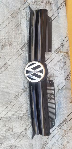 2009 - 2012 Volkswagen Golf grill Oem for Sale in Los Angeles, CA