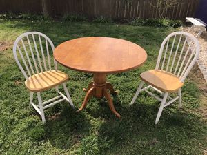 Kitchen table w 2 chairs for Sale in Portsmouth, VA