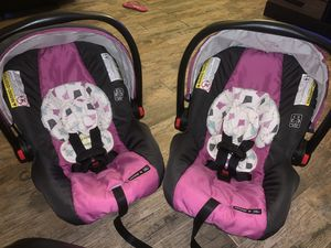 Graco infant seats. 2 of them for Sale in Marina, CA