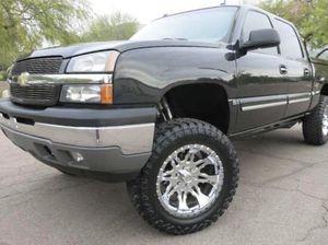 2005 Chevrolet Silverado LT for Sale in Grand Prairie, TX