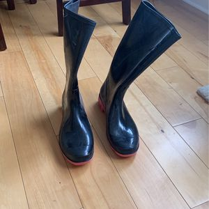 Barely Worn Rain Boots Size 11 Women's for Sale in Philadelphia, PA