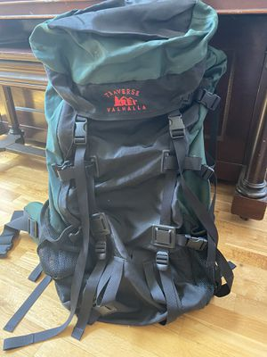 TRAVERSE VALLHALLA INTERNAL FRAME HIKING BACKPACK for Sale in March Air Reserve Base, CA