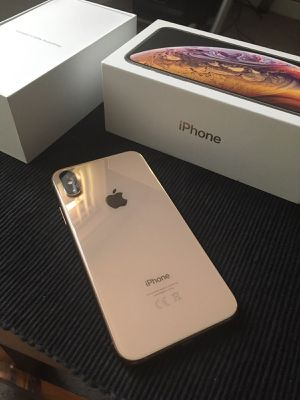 iPhone XS (Gold 64GB) for Sale in Miami, FL