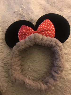 Baby Minnie Mouse head band $3 add $2 if I have to ship for Sale in Manteca, CA