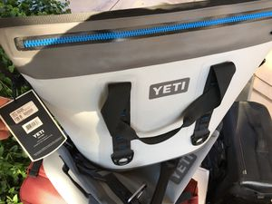 Brand new Yeti hopper 40 cooler for Sale in Fresno, CA