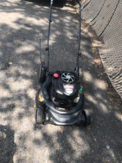 Craftman push lawn mower work perfect price no negotiable for Sale in Houston, TX