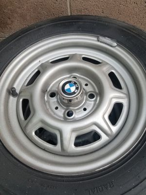 Bmw rums with tires for Sale in Los Angeles, CA