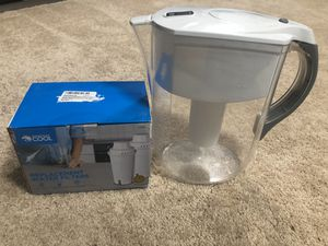 Brita water pitcher with filters for Sale in Laytonsville, MD