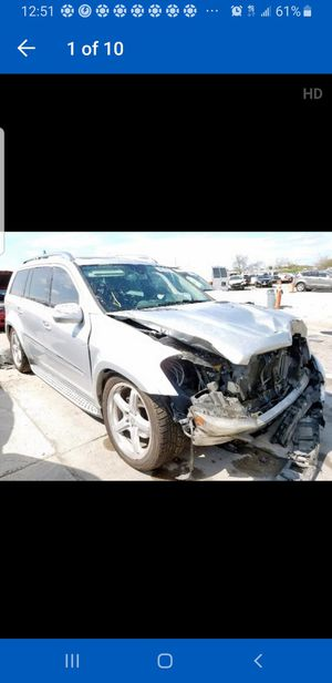 09 GL550 Mercedes Mercedes 4matic for parts for Sale in Dallas, TX