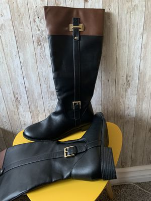 Black/Brown Gold buckle Boots Size 9M for Sale in El Cajon, CA