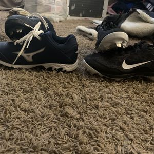 Softball Stuff For Sale The Cleats Are Size 8.5 And 7.5the Bat Gloves Are $5 A Pair Helmet Is 35 Glove Is 50 Right Hand Glove for Sale in Aylett, VA