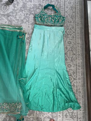 Henna Oufit/Sari for Sale in Sterling Heights, MI