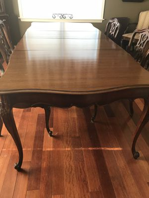 Antique Dining Table & Chairs for Sale in Edgemere, MD