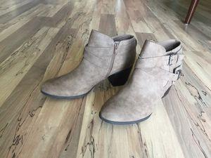 Boots size W 10 for Sale in North Miami Beach, FL
