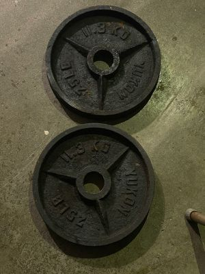 25 lbs Olympic weight s for Sale in Pomona, CA
