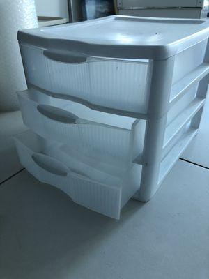 Small storage container for Sale in Miami, FL
