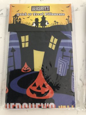 Trick or Treat🎃Halloween Pillowcases for Sale in West Palm Beach, FL