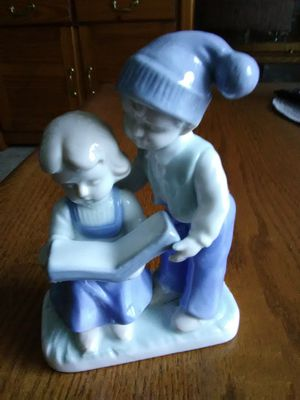 VINTAGE PORCELAIN BOY AND GIRL FIGURINE for Sale in Lakewood, CO