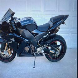 '04 Kawasaki Ninja zx10r for Sale in Piedmont, CA