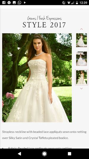 Casablanca 2017 Wedding Dress for Sale in Lansing, IL
