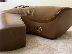 Size 9 Michael Kors booties for Sale in Seattle, WA