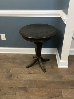 Side Table for Sale in Franklinton,  NC
