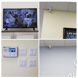 Security cameras alarm system for Sale in Tustin, CA