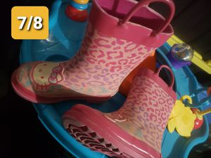 Toddler Rain boots Hello Kitty for Sale in Fresno, CA