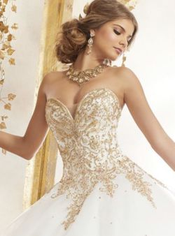 Tull Quinceanera Dress for Sale in Miami,  FL