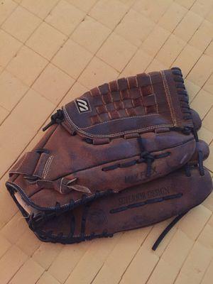 Mizuno men's softball glove for Sale in Chino Hills, CA
