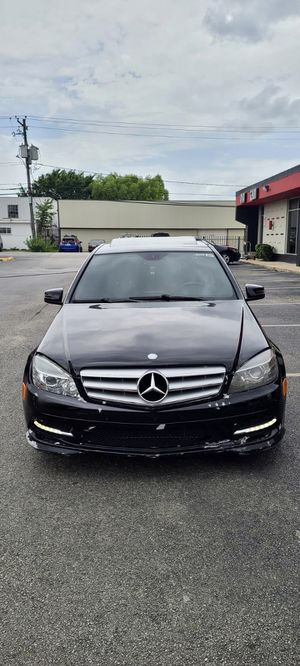 2011 Mercedes C300 Luxury 4Matic Low mileage for Sale in Houston, TX